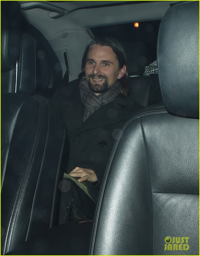 matt-bellamy-looks-happy-after-kate-hudson-split-04