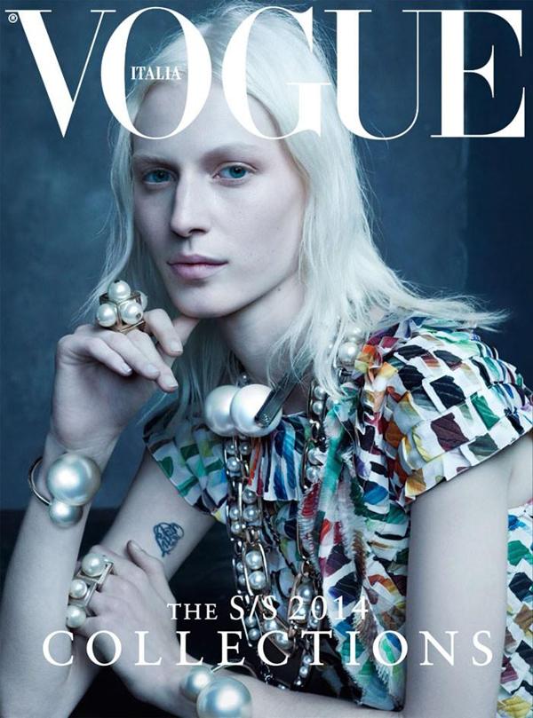 Джулия Нобис на обложке Vogue Италия, январь 2014