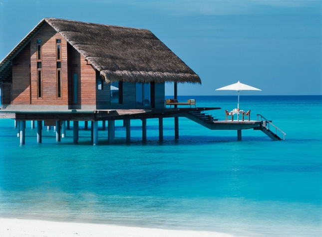"Отель ""One & Only Reethi Rah"" на Мальдивах"
