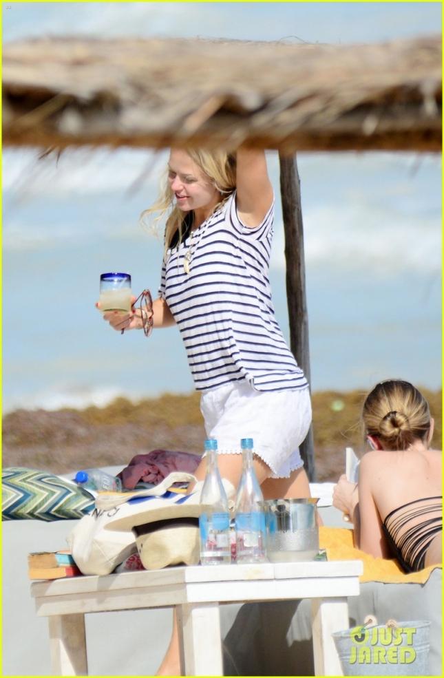 Та самая блондинка