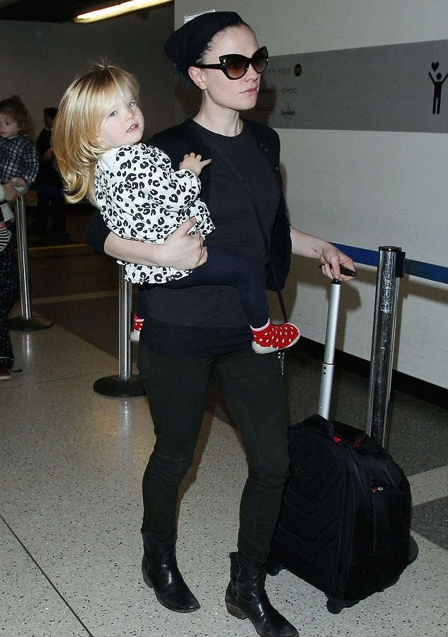 Анна Пакуин с дочкой