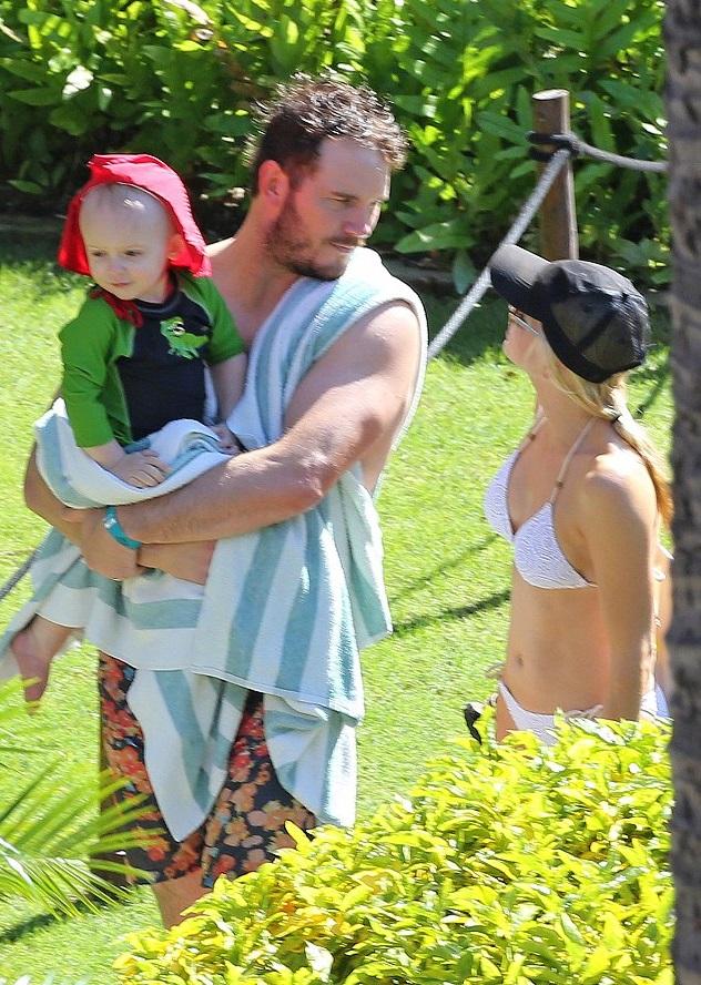 Анна Фарис и Крис Пратт с сыном