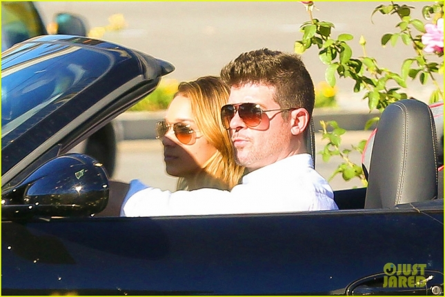 robin-thicke-april-love-geary-cruise-after-thanksgiving-02