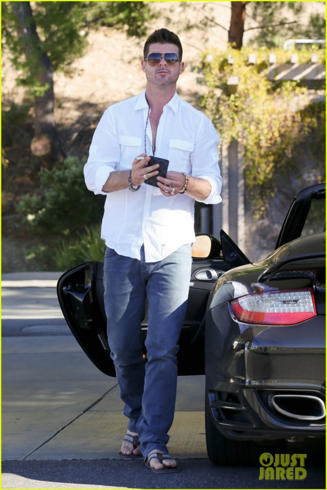 robin-thicke-april-love-geary-cruise-after-thanksgiving-03