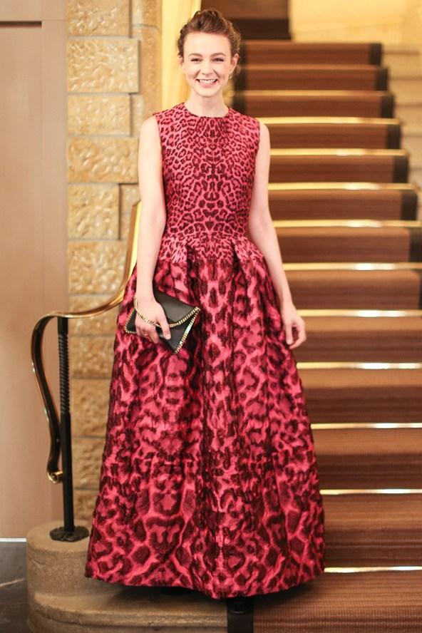 Sienna-Miller2_glamour_16dec14_rex_b_592x888