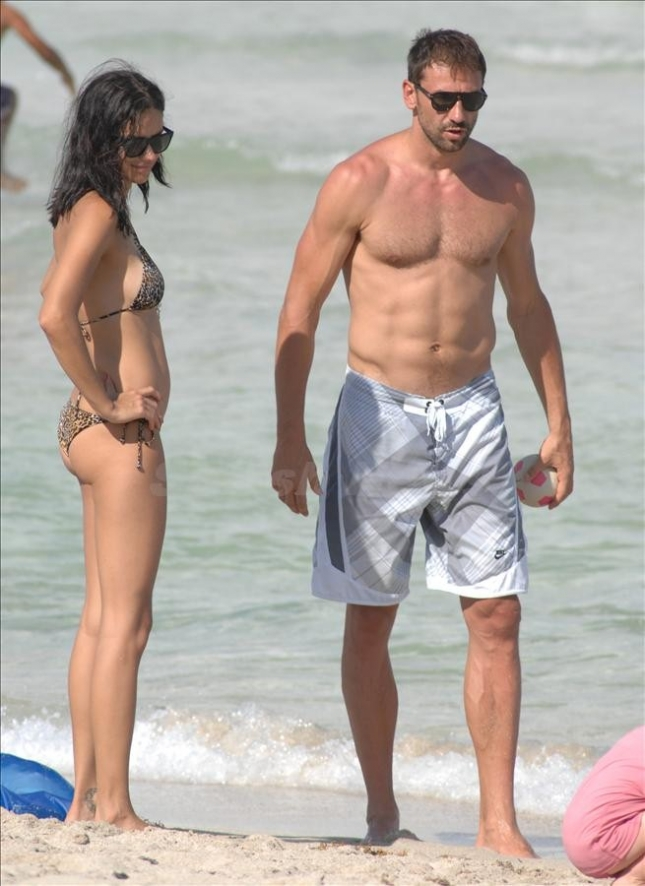 Adriana Lima spends the day on the beach in Miami Beach