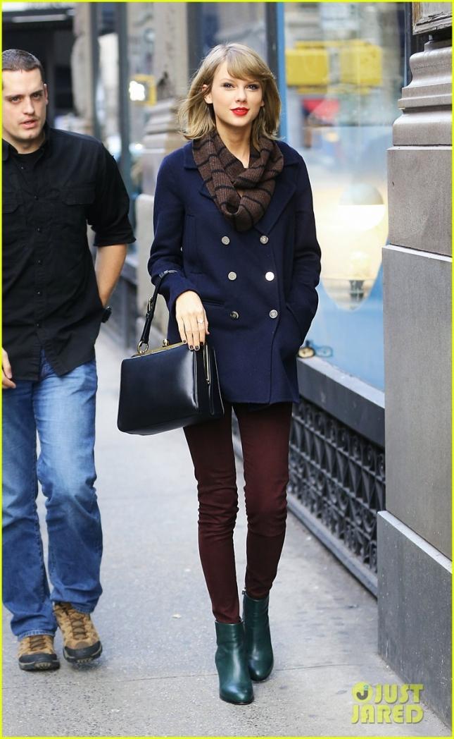 Тейлор Свифт на шоппинге в Нью-Йорке ранним утром пятницы