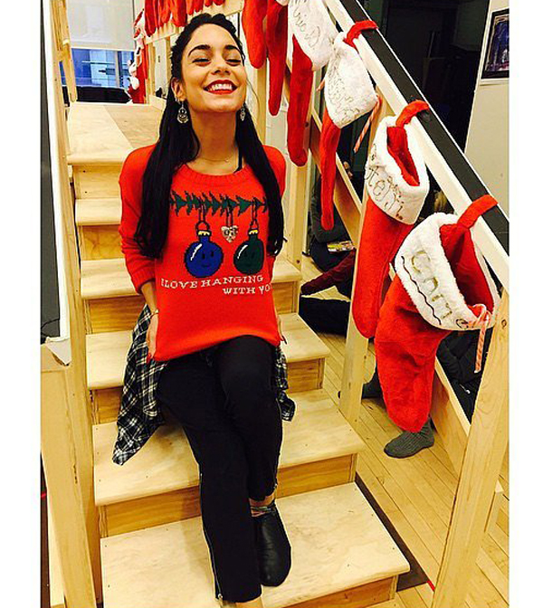 Vanessa-Hudgens-gave-us-peek-her-too-cute-holiday-sweater