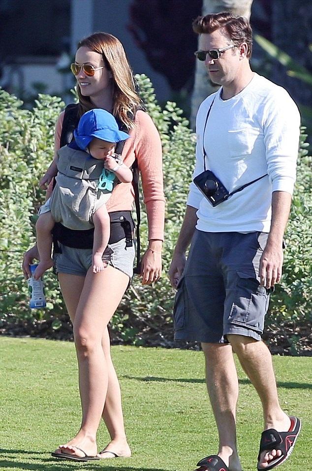 Оливия Уайлд и Джейсон Судейкис с сыном