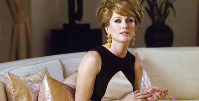 11-beauty-advice-from-films-a-single-man-julianne-moore