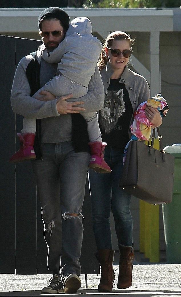 Эми Адамс и Даррен Ле Галло с дочкой
