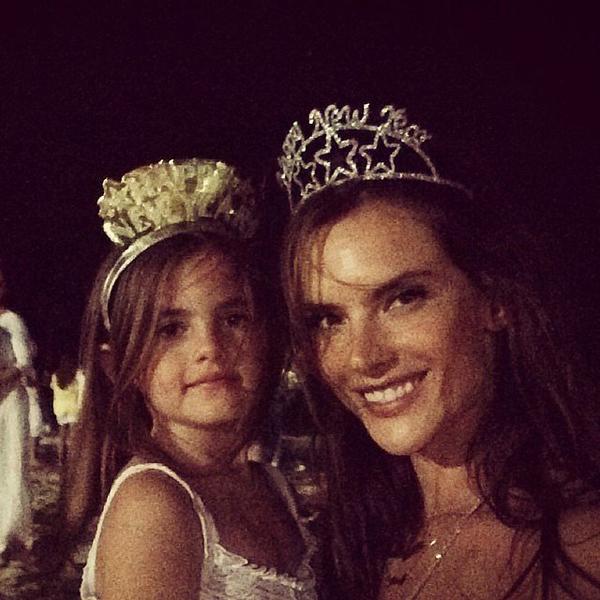 Alessandra-Ambrosio-Anja-made-pair-NYE-beauties