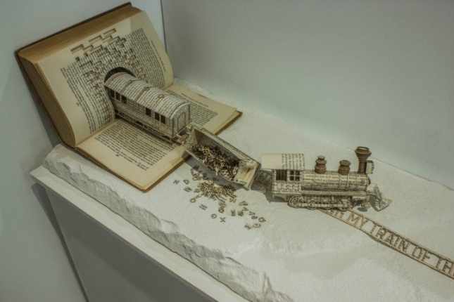 book-typography-carved-sculpture-6-718x479