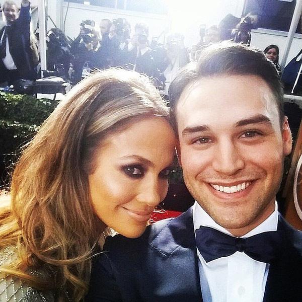 Boy-Next-Door-costars-Jennifer-Lopez-Ryan-Guzman-took-selfie