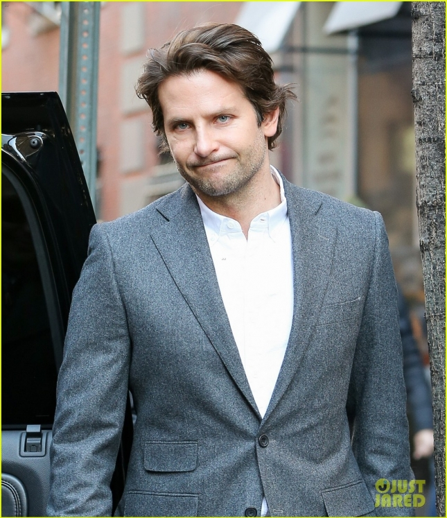 bradley-cooper-says-hes-not-too-handsome-to-play-chris-kyle-02