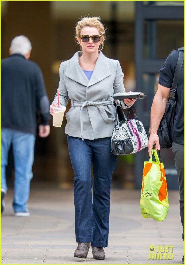 Бритни Спирс идёт в студию звукозаписи