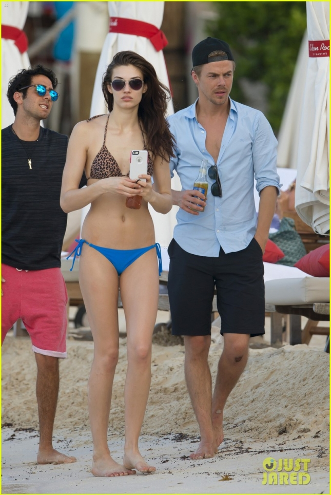 derek-hough-gets-cozy-in-st-barts-with-mystery-brunette-04