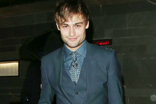 douglas-booth-david-gandy-gq-dinner-01