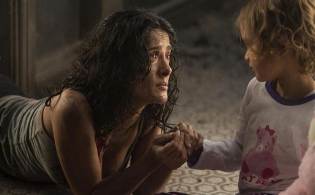 Кадр из фильма «Эверли»