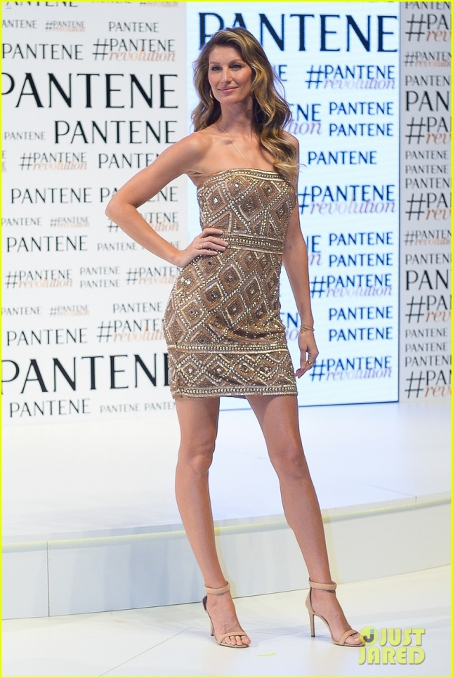 gisele-bundchen-never-fails-to-stun-on-the-red-carpet-01