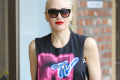 gwen-stefani-solo-concert-makes-her-want-to-throw-up-02