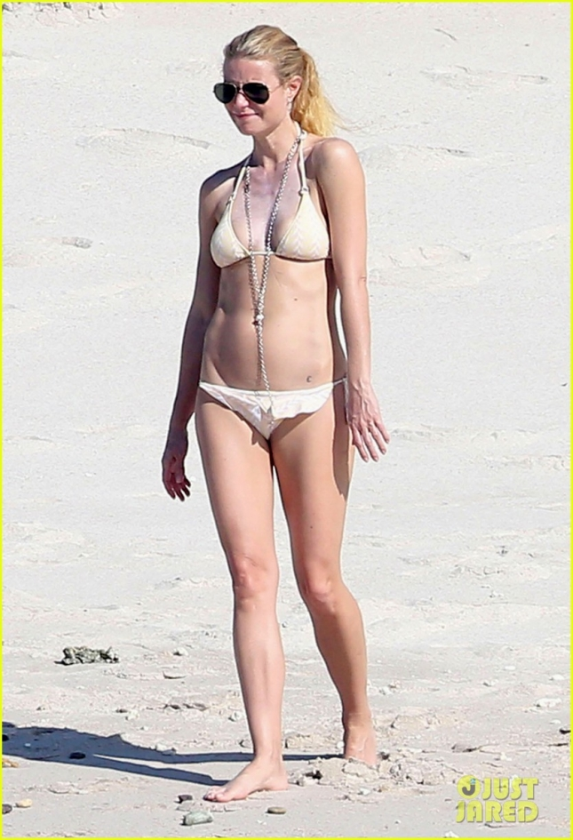 Exclusive... NO WEB - Gwyneth Paltrow Stuns in Sexy Two Piece While In Cabo - NO WEB USE