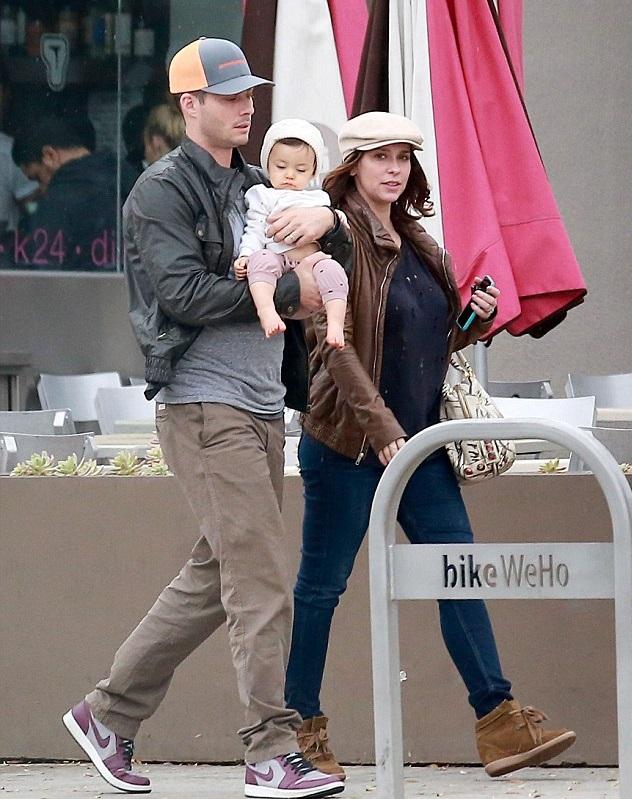 Дженнифер Лав Хьюитт с семьей
