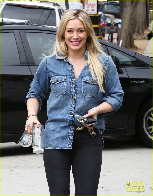 Hilary Duff Runs Errands After Her Workout