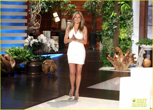 jennifer-aniston-ellen-show-appearance-03