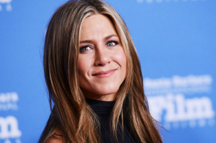 jennifer-aniston-receives-montecito-award-sbff-20