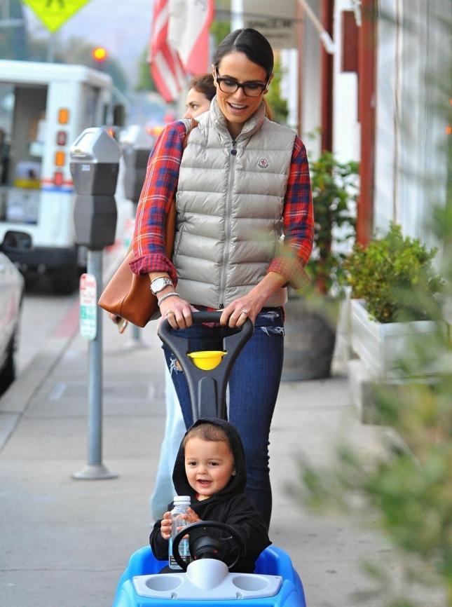 Джордана Брюстер с сыном