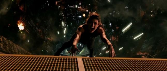 Кадр из фильма «Восхождение Юпитер»