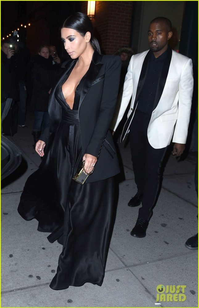Kim & Kanye Out For Dinner In New York