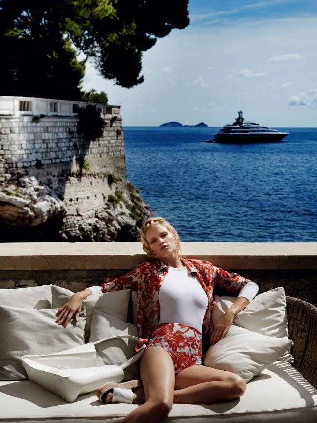 Лара Стоун в фотосессии для Vogue Китай