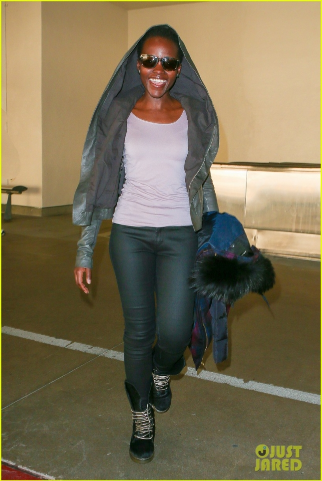 lupita-nyongo-jets-out-of-lax-before-golden-globes-10
