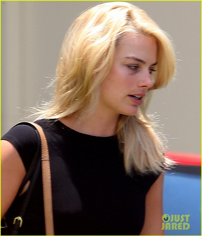 Margot Robbie Leaves Her Gym Sporting a Black Eye