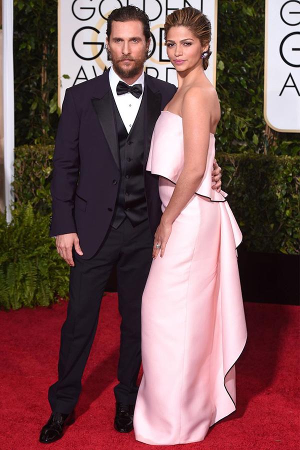 Matthew-McConaughey-and-Camila-Alves_glamour_11jan15_rex_b_592x888