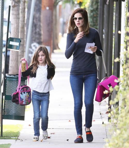 Мишель Монаган с дочкой