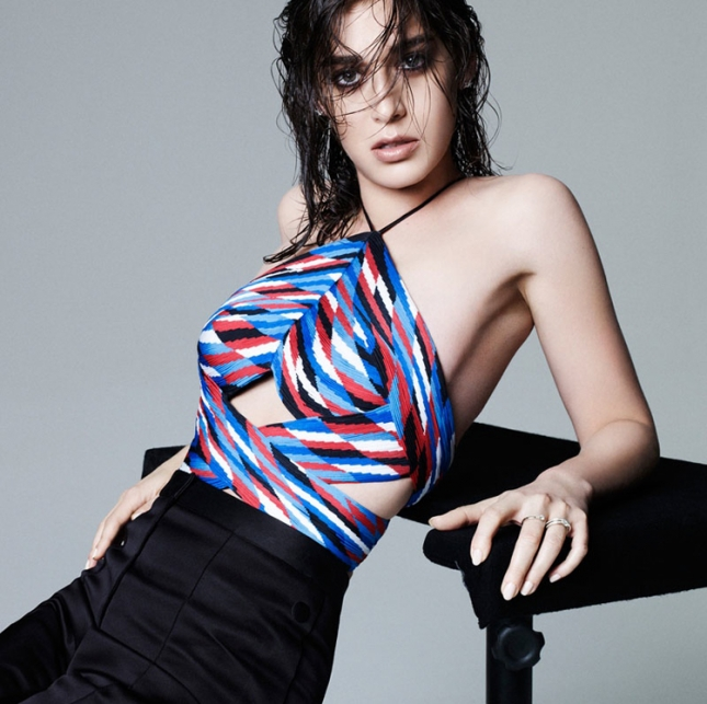 """Лиззи Каплан в фотосессии """"Women in TV"""" для февральского Elle US"""