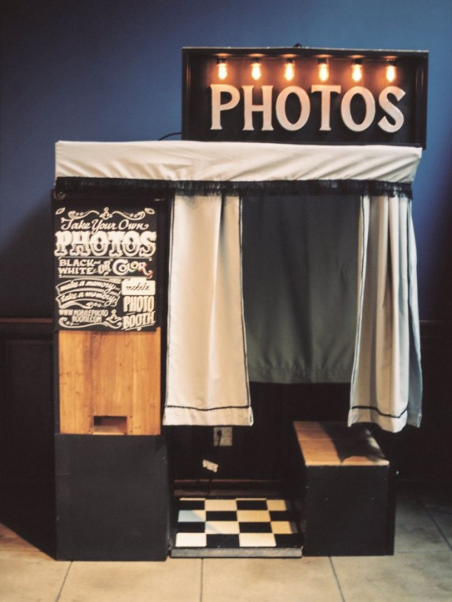 photobooth-date-645x858
