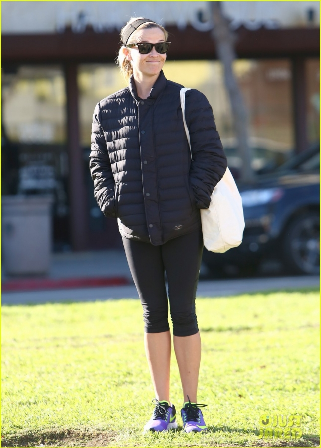 reese-witherspoon-appreciative-of-everything-02