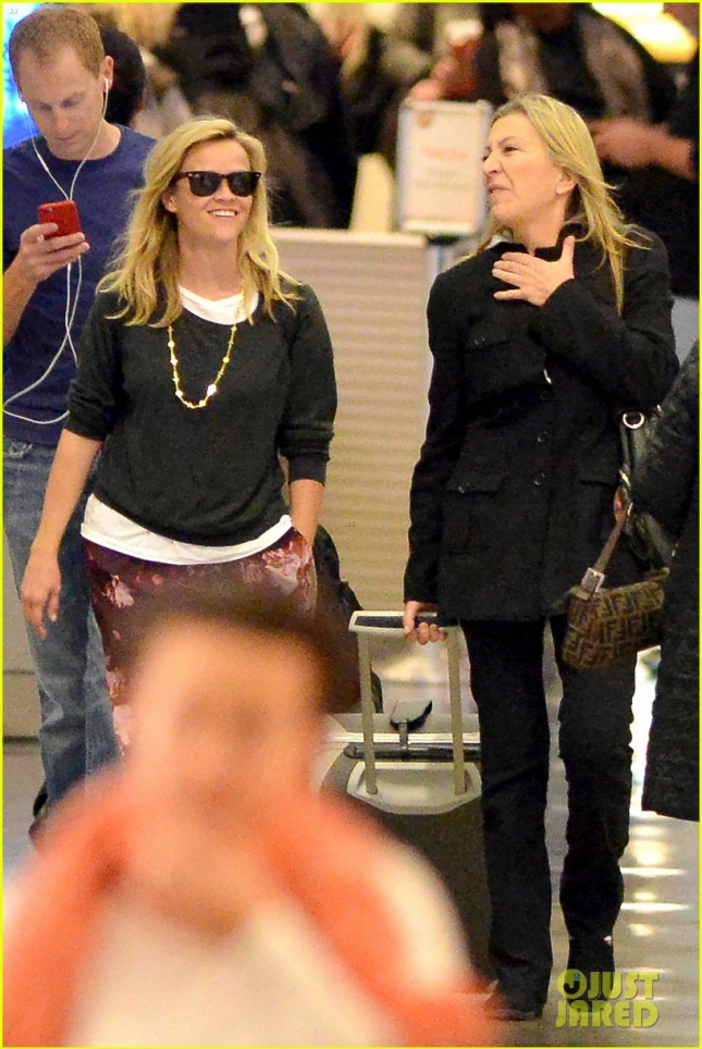 reese-witherspoon-wild-backpack-appendage-10