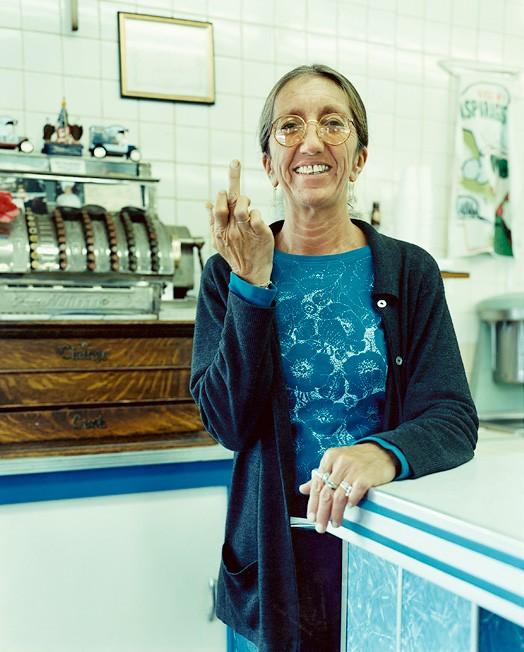 Тринидад, штат Колорадо, 1 октября 2004; официантка Кэрол; заказано тушеное бурито с говядиной, чай, диетическая кола за 7,34 доллара.