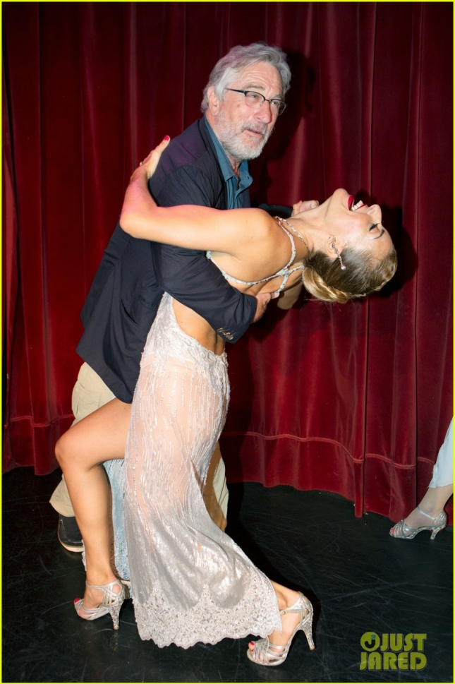 robert-de-niro-shows-off-his-tango-skills-in-buenos-aires-01