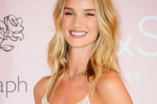 rosie-huntington-whiteley-stuns-at-rosie-for-autograph-fragrance-launch-02