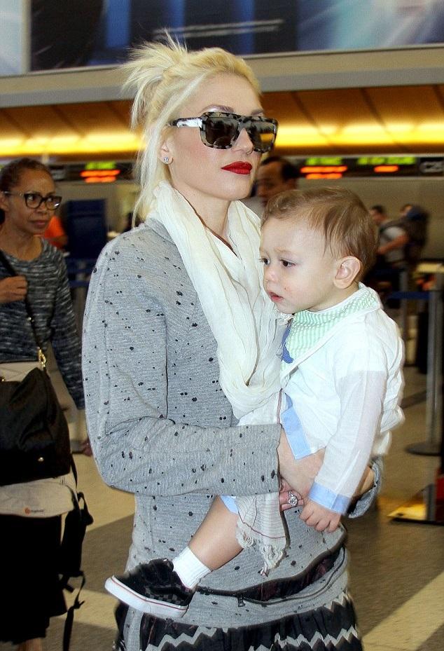 Гвен Стефани и Апполло в аэропорту Лос-Анджелеса, 21 января