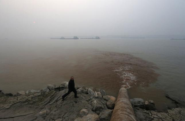 Сброс сточных вод в Янцзы