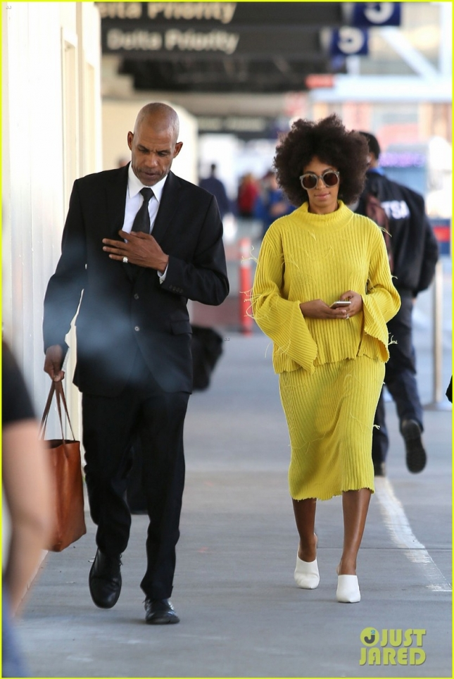 solange-knowles-knows-how-to-stay-stylish-even-at-the-airport-05