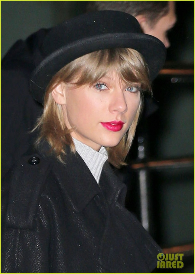 taylor-swift-shonda-rhimes-fan-1989-album-01