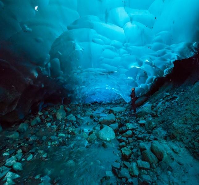 Ледяные пещеры Менденхолл, Аляска